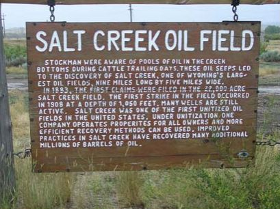 first wyoming oil well